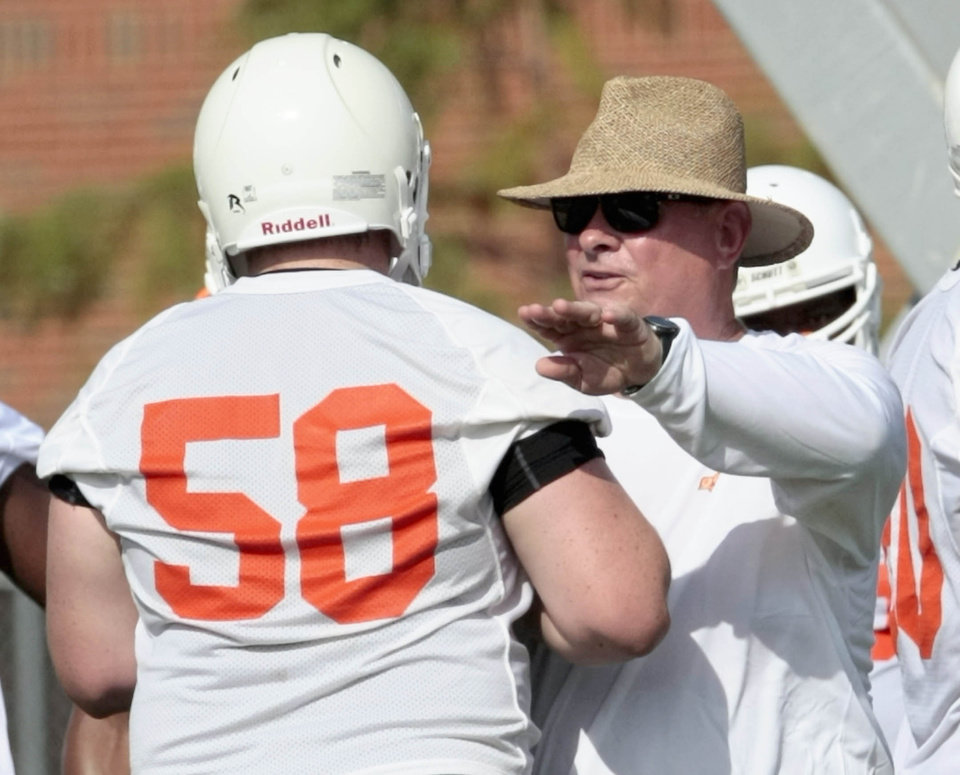 Oklahoma State Football Practice Pictures: Aug  6, 2010