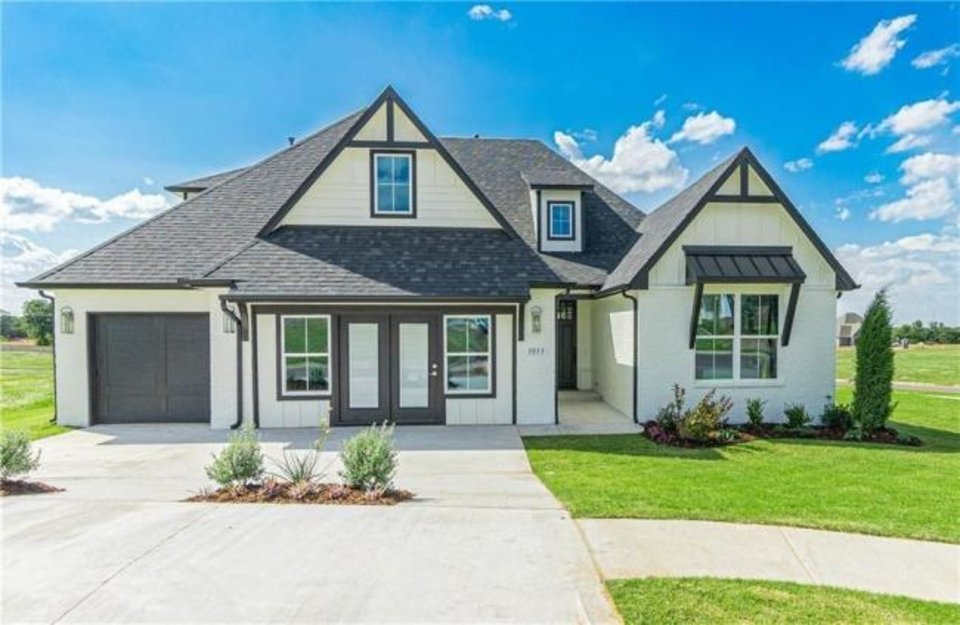 Photo -  Shaw Homes' entry at 3033 Birchwood Circle, Woodland Park II addition, Edmond, won Best Overall in the $440,000-$499,999 division of the Parade of Homes Fall Classic. [PROVIDED/CENTRAL OKLAHOMA HOME BUILDERS ASSOCIATION]