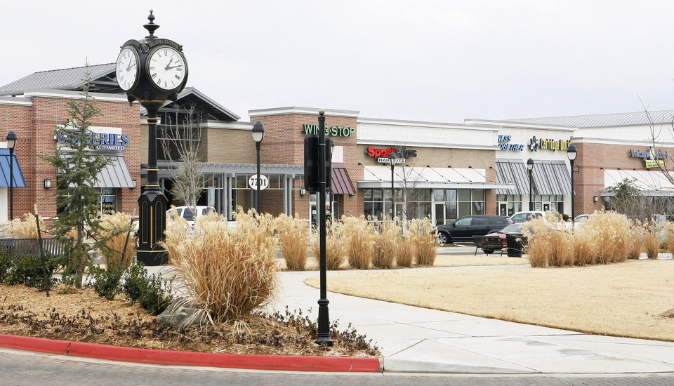 Photo - Town Center Plaza shopping center in Midwest City is nearly at full occupancy. Photo by PAUL B. SOUTHERLAND, the oklahoman