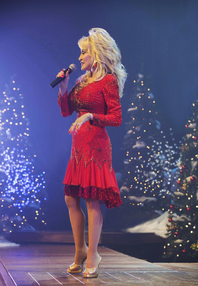 dolly parton co stars in the lifetime original movie a country christmas story airing at 7 pm saturday on the cable channel - A Country Christmas Story