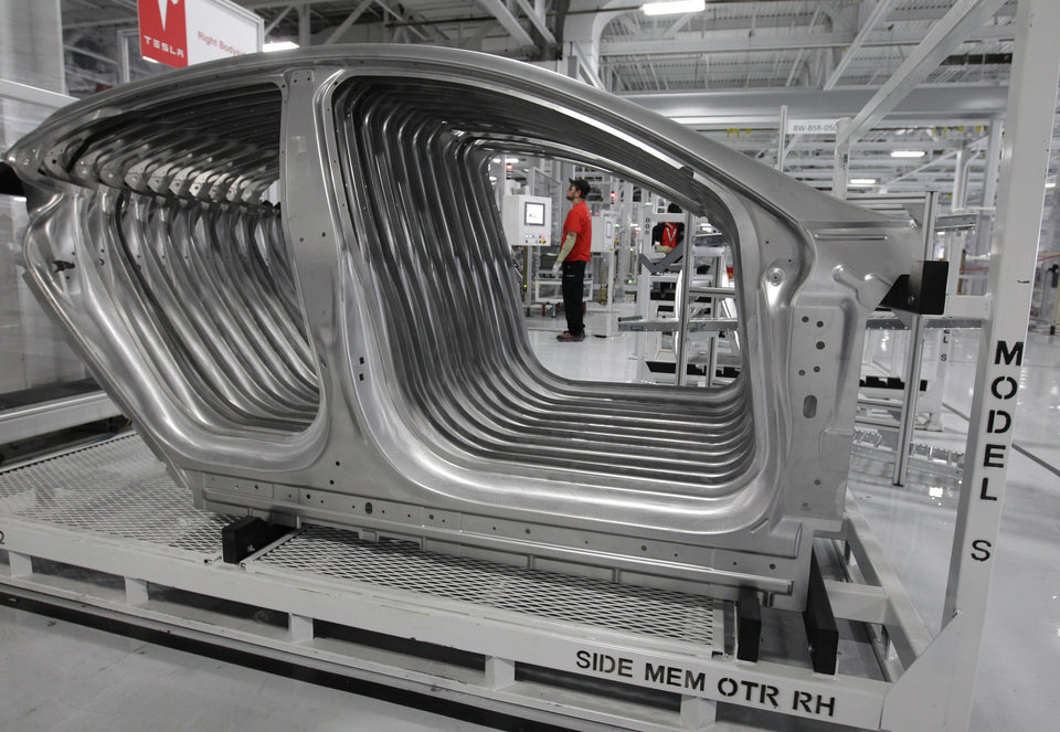 U s manufacturing shrinks for first time in 3 years news ok for Toyota motor manufacturing indiana inc princeton in