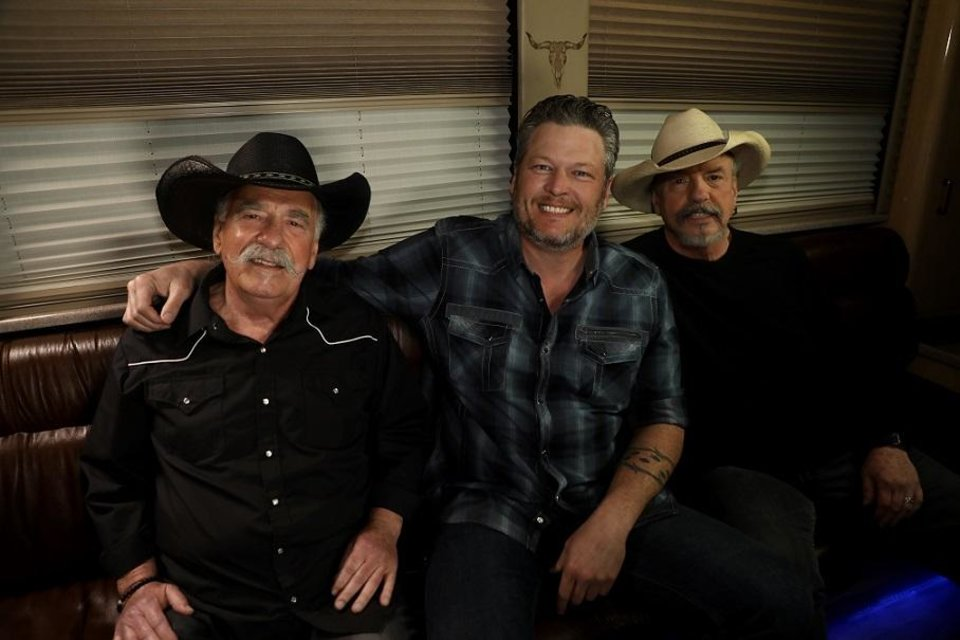 Photo - Howard Bellamy, Blake Shelton and David Bellamy appear Sunday's episode of the Bellamy Brothers' TV show
