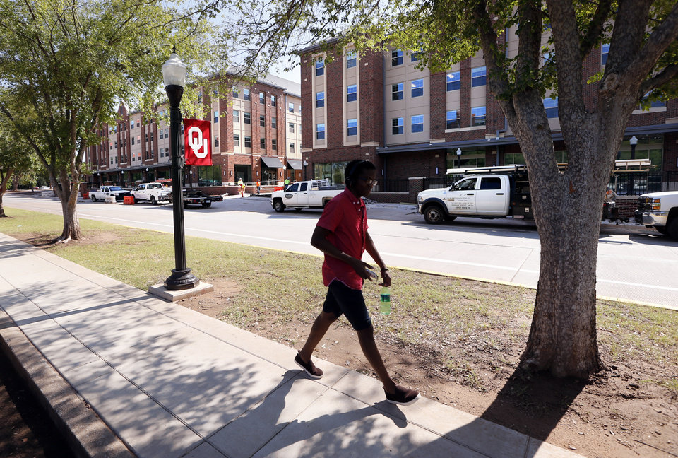 Photo -  Cross Neighborhood offers upperclassmen at the University of Oklahoma a new housing option, but only 28 percent of the 1,230 beds have been filled. [Photo by Steve Sisney, The Oklahoman]