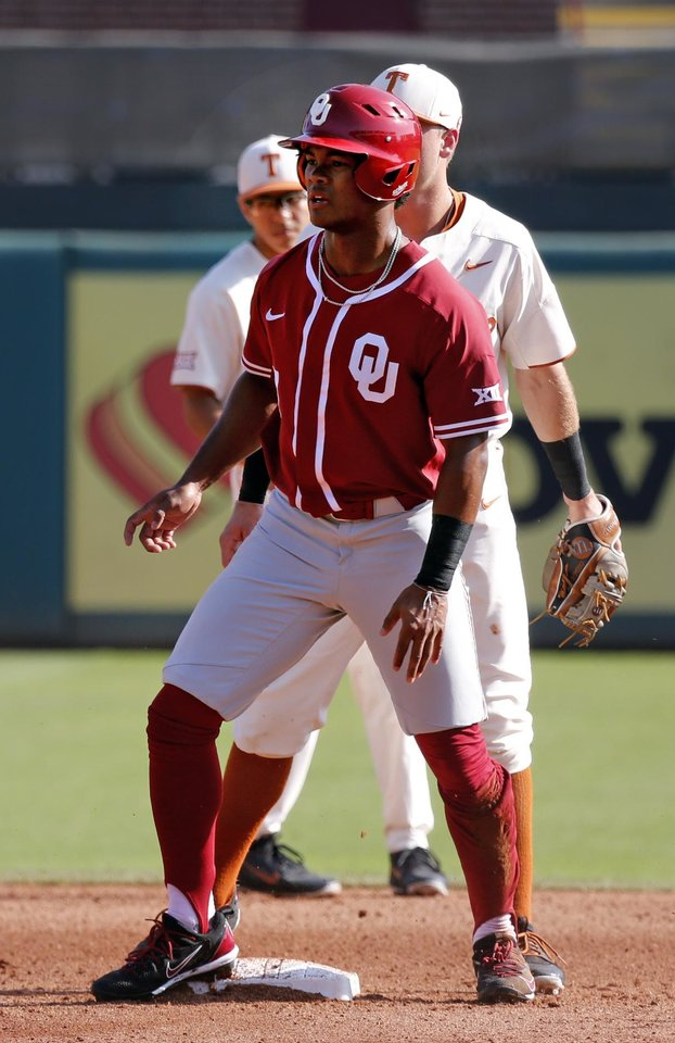 Oklahoma outfielder Kyler Murray stands up after stealing second as the  University of Oklahoma Sooners (OU) play the University of Texas Longhorns  (UT) in ... 586744722