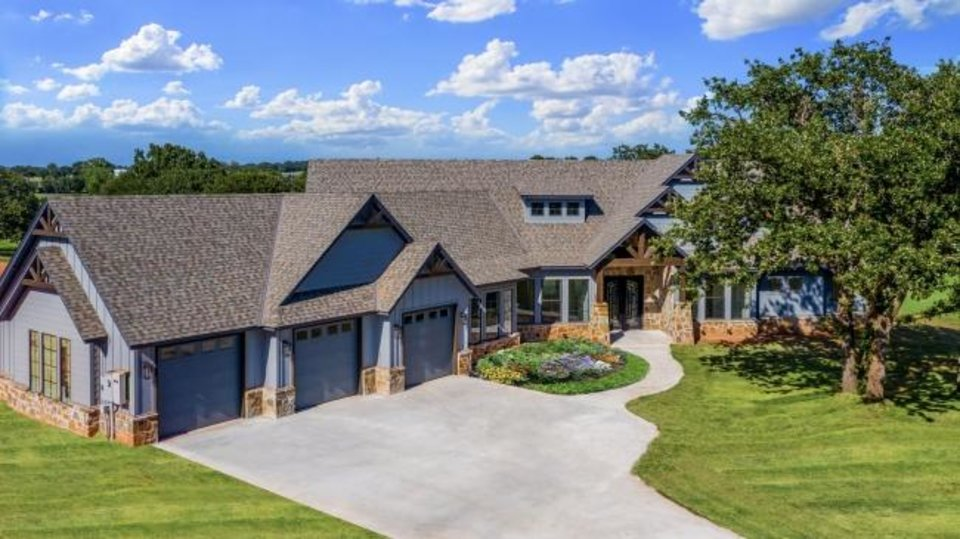 Photo -  Sun Custom Homes' entry at 8041 Solidago Drive, Solidago Ranch Estates addition, Edmond, won Best Overall in the $600,000-$674,999 division of the Parade of Homes Fall Classic. [PROVIDED/CENTRAL OKLAHOMA HOME BUILDERS ASSOCIATION]