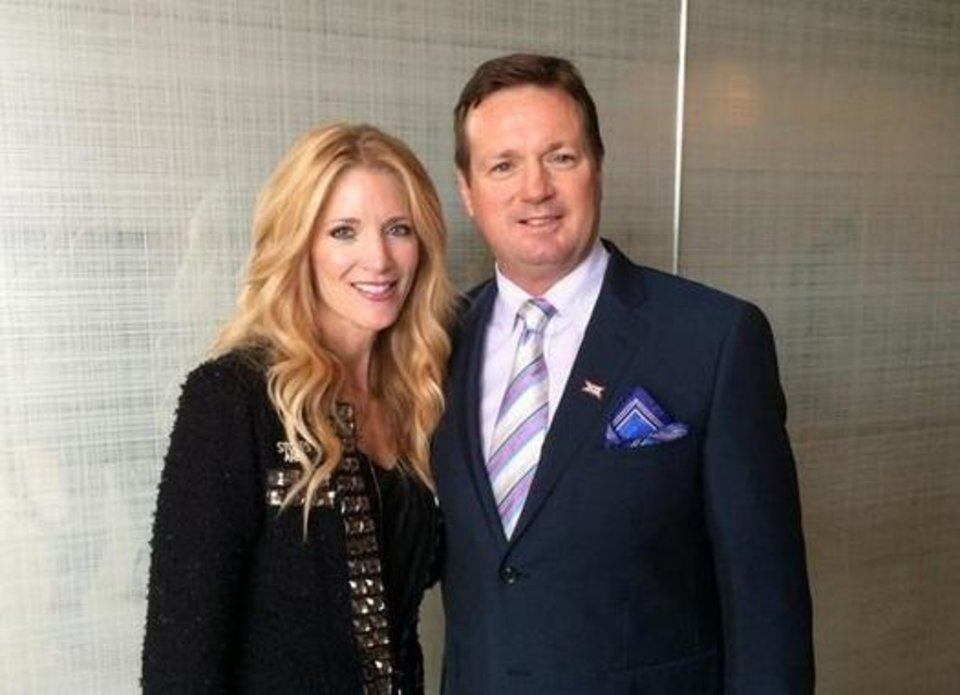 Photo - Bob and Carol Stoops at The Omni Dallas Hotel Tuesday. Photo/Twitter (@OU_Football)