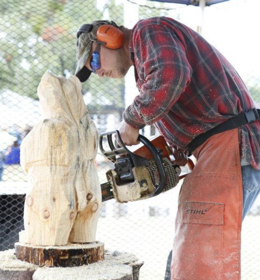 Oklahoma state fair continues with woodcarving