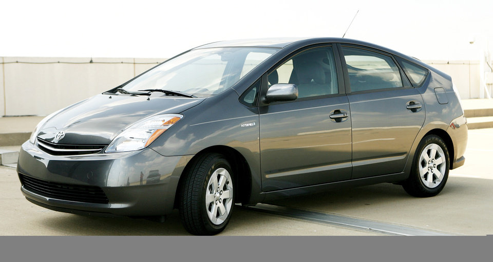 Prius meets the eco-hype - Article Photos