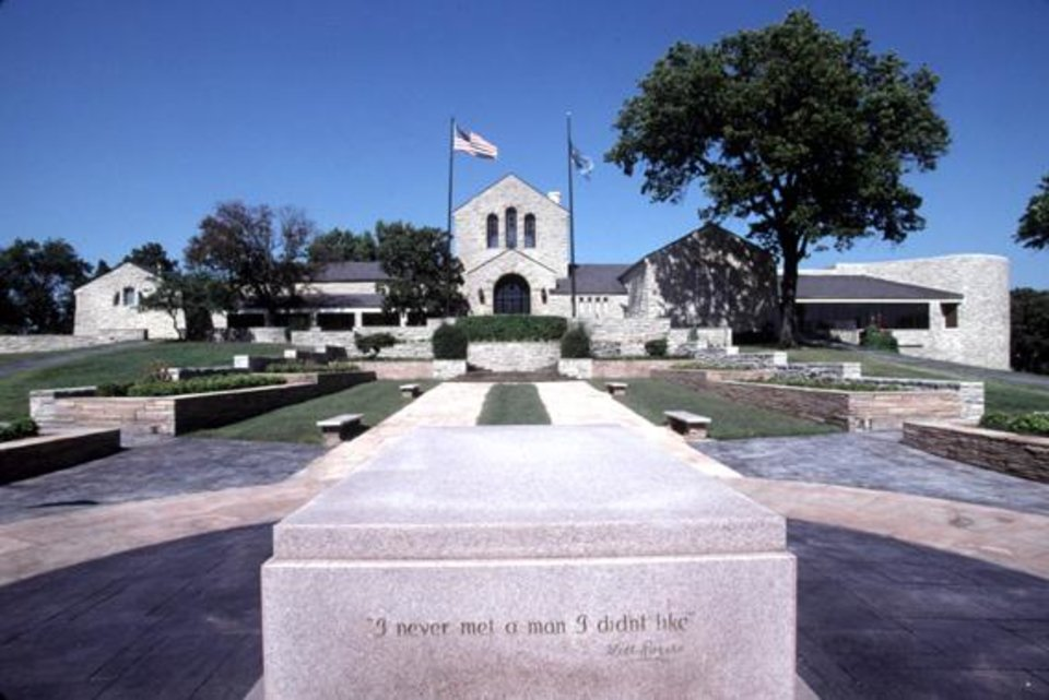 Photo - Looking back to the Will Rogers Memorial in Claremore from his tomb.