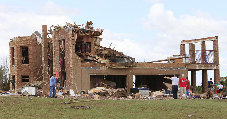 Photo - Tornado aftermath clean-up east of Piedmont, Wednesday, May 25, 2011. Photo by David McDaniel, The Oklahoman