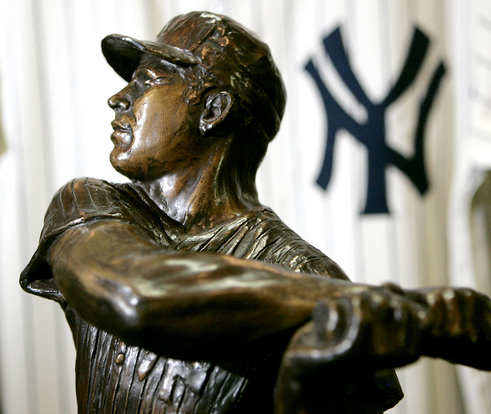 Photo - A statue of Mickey Mantle at the Oklahoma Sports Museum in Guthrie, Okla., on May, 6, 2008. By John Clanton, The Oklahoman
