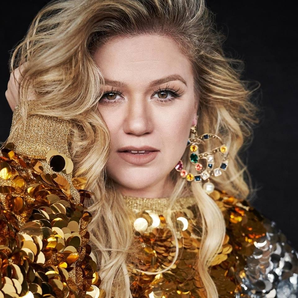 Photo - Kelly Clarkson. Photo provided
