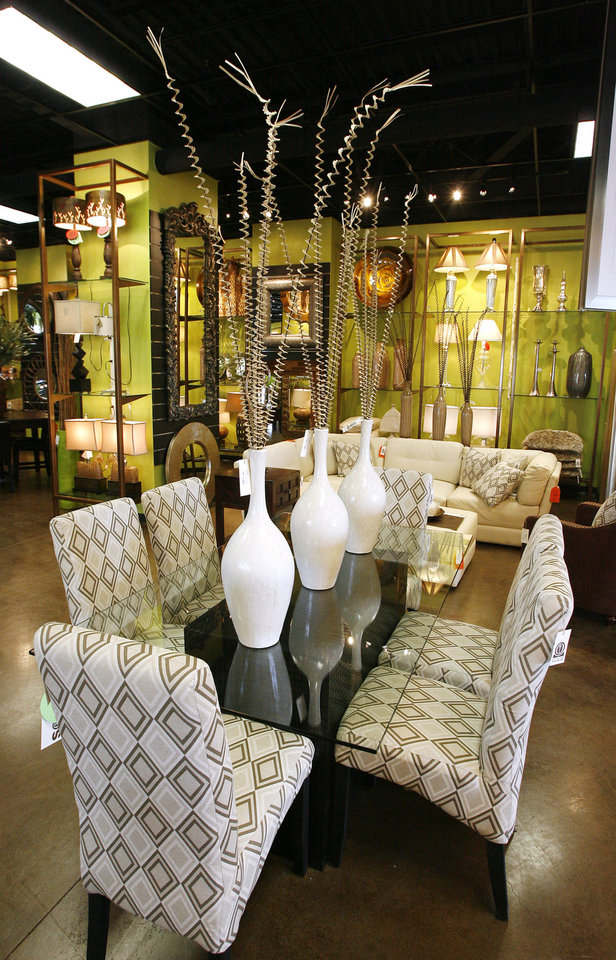 Dining Room Set At I O Metro Furniture In Edmond Monday July 6 2009