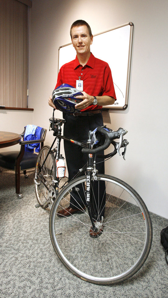 Green Healing Br Span Class Hl2 Doctor Bikes To Hospital