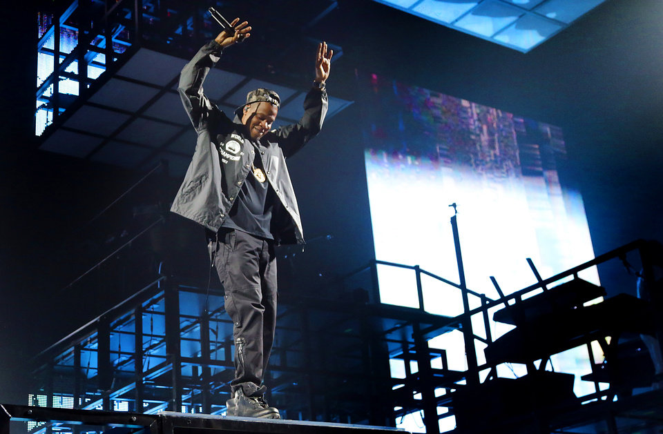 Concert review jay zs magna carter world tour brings jay z performs during his magna carter tour at the chesapeake energy arena in oklahoma malvernweather Images