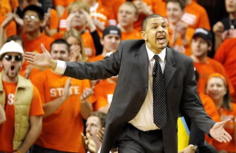 Photo - OU head coach Jeff Capel reacts to a call in the first half during the men's Bedlam basketball game between Oklahoma State University and the University of Oklahoma at Gallagher-Iba Arena in Stillwater, Okla., Wednesday, March 5, 2008. BY MATT STRASEN, THE OKLAHOMAN