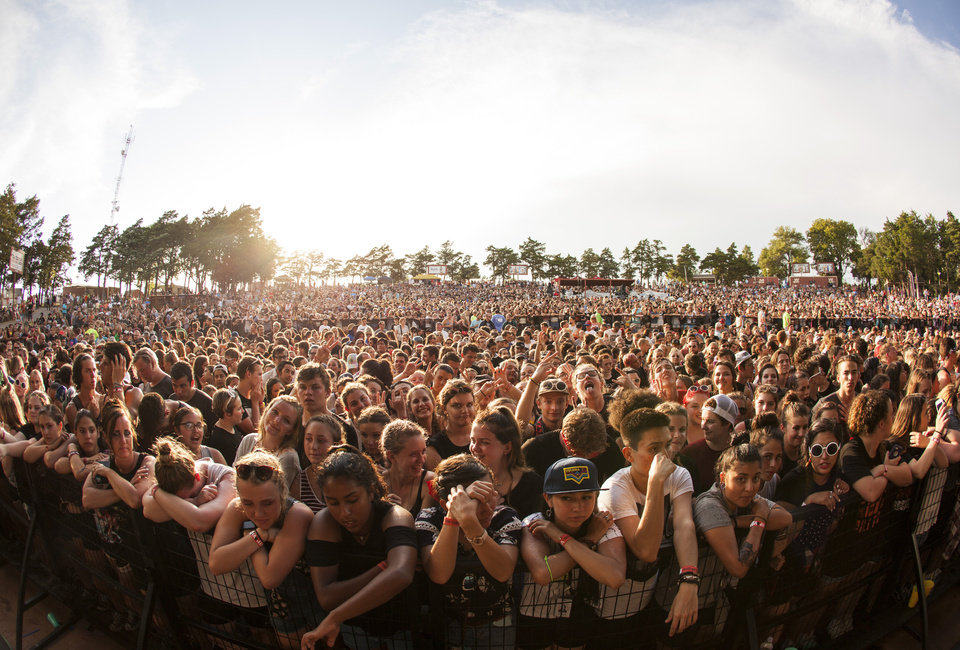 Photo -  Roughly 10,000 fans attended the Zoo Amphitheatre in triple-digit heat for a Twenty One Pilots concert. [Photo by Nathan Poppe, The Oklahoman]