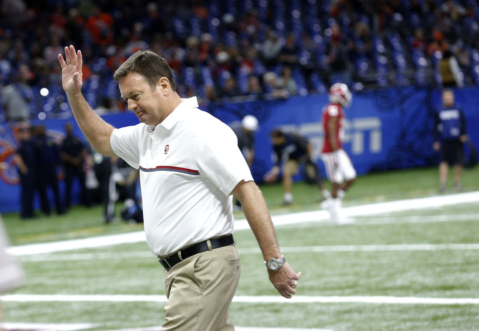 Photo -  Coach Bob Stoops helped guide his squad to a win in the Sugar Bowl. Days after the bowl victory against Auburn, he received a commitment from a four-star offensive tackle from Louisiana. [PHOTO BY SARAH PHIPPS, THE OKLAHOMAN]