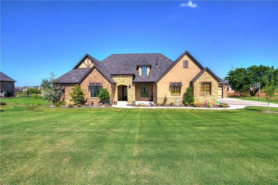 Photo -  The Listing of the Week is at 21484 S Sawtooth Circle, Edmond. [PHOTO PROVIDED]