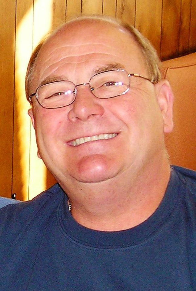 Photo - AIRPLANE ACCIDENT DEATH VICTIM: Lloyd G. Austin, 57, Palm Coast, Fla., vice president with United Holdings, one of the crash victims in Tuesday, Feb. 4, 2008, plane crash. Photo provided. ORG XMIT: KOD