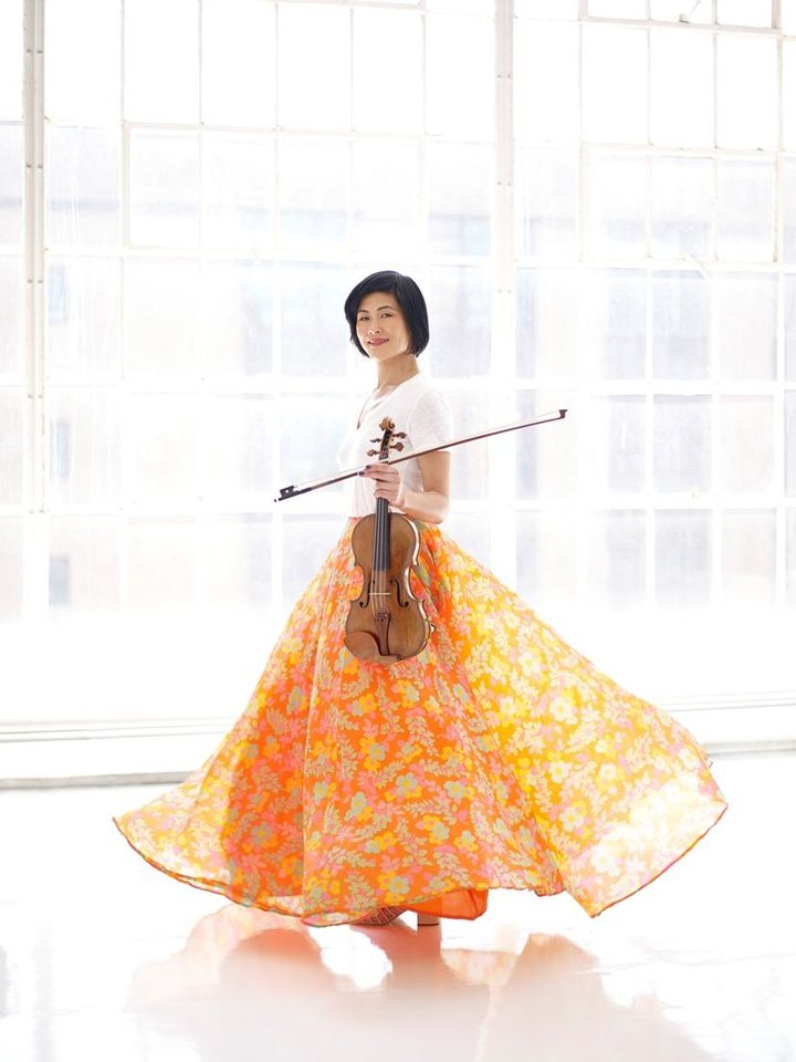 Photo - Violinist Jennifer Koh will return to OKC as the soloist for the Oklahoma City Philharmonic's Jan. 11 Classics concert. [Juergen Frank photo]