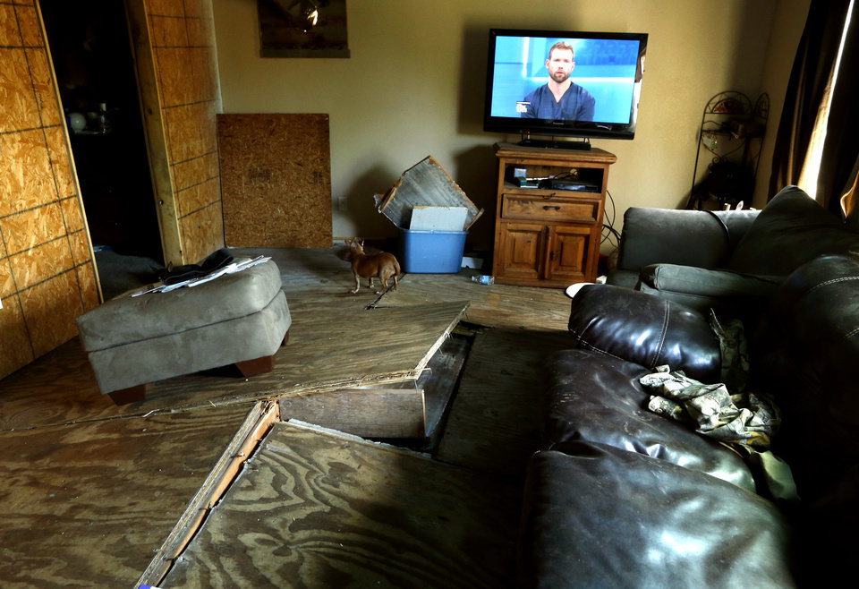 Tornado damage and fatality in connorville for The living room channel 10 competition