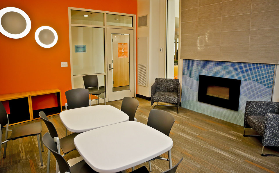 The University Commons Includes Many Meeting Rooms, Large And Small, Where  Students Can Join In Activities Or Study. [Photo By Chris Landsberger, ... Part 72