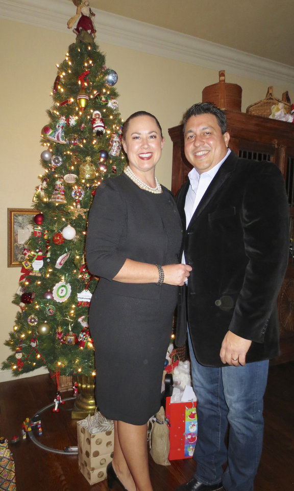 Photo - Carey Sue and Ricardo Vega. PHOTO BY HELEN FORD WALLACE, THE OKLAHOMAN