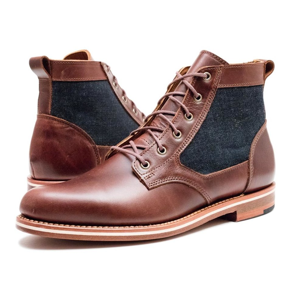 Photo - HELM's Lee Low boot