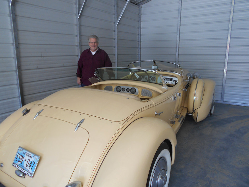 Oklahoma man continues his father\'s classic car manufacturing ...