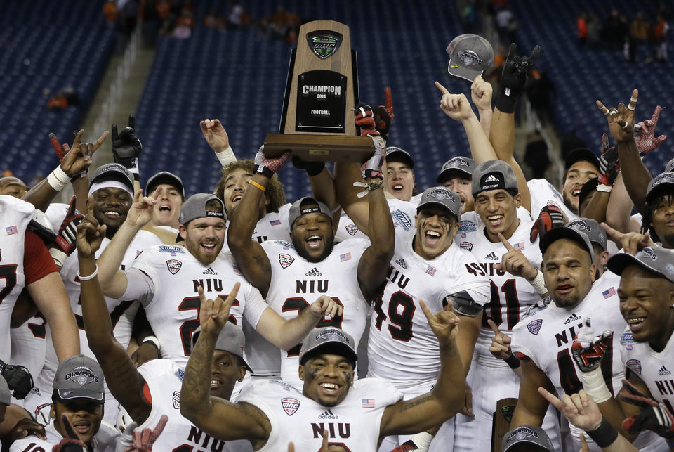 Beware of the MAC: The Mid-American Conference teams play football ...