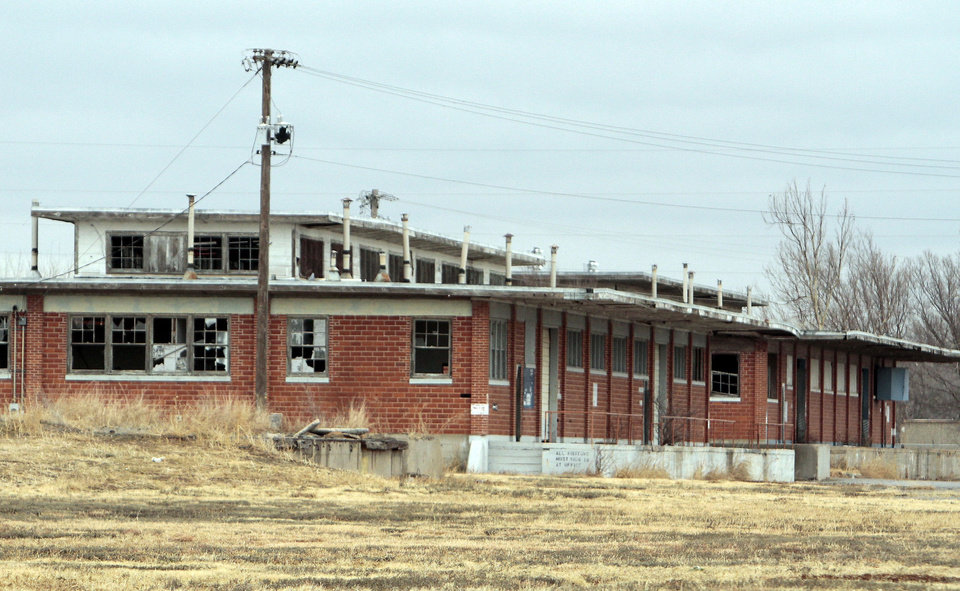Burns Flat Ok >> Oklahoma Spaceport S Blighted Buildings Rile Town Officials
