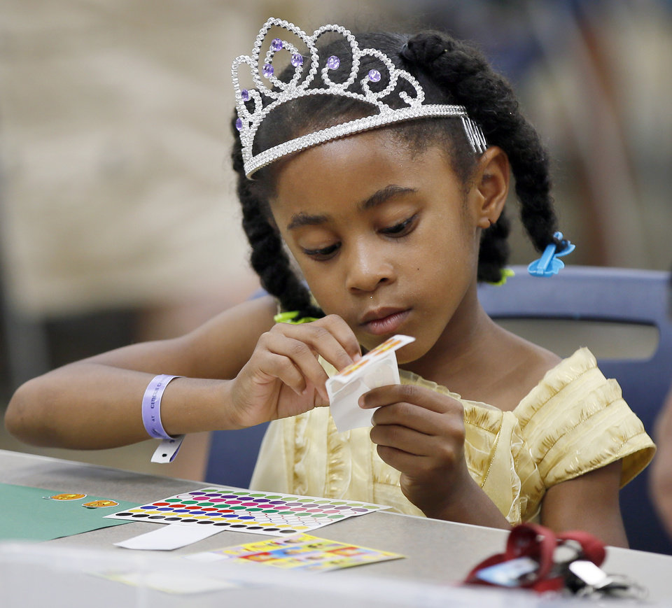 Disney princess party held at Ralph Ellison Library in OKC
