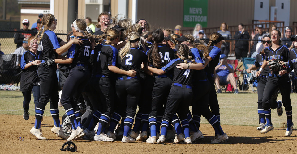 Photo - Newcastle celebrates the end of the game during the 4A Fast Pitch Championship game between Newcastle and Purcell at the Ball Fields at Firelake in Shawnee, Saturday, October 19, 2019. [Doug Hoke/The Oklahoman]