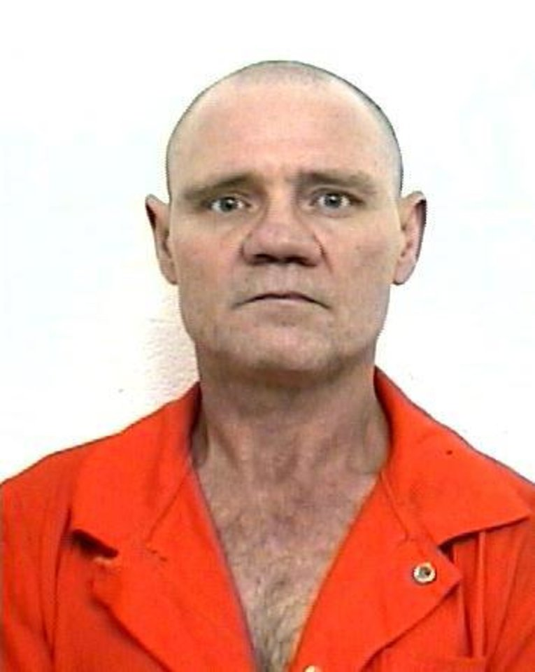 Photo - BILLY RILEY / SHOOTING DEATH / BREAK-IN / SELF-DEFENSE: 2005 mug shot of Billy Dean Riley, 53, who was shot early Friday morning by a homeowner in Lincoln County. ORG XMIT: KOD