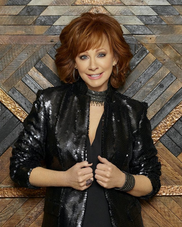 Photo - Reba McEntire. Robby Klein photo