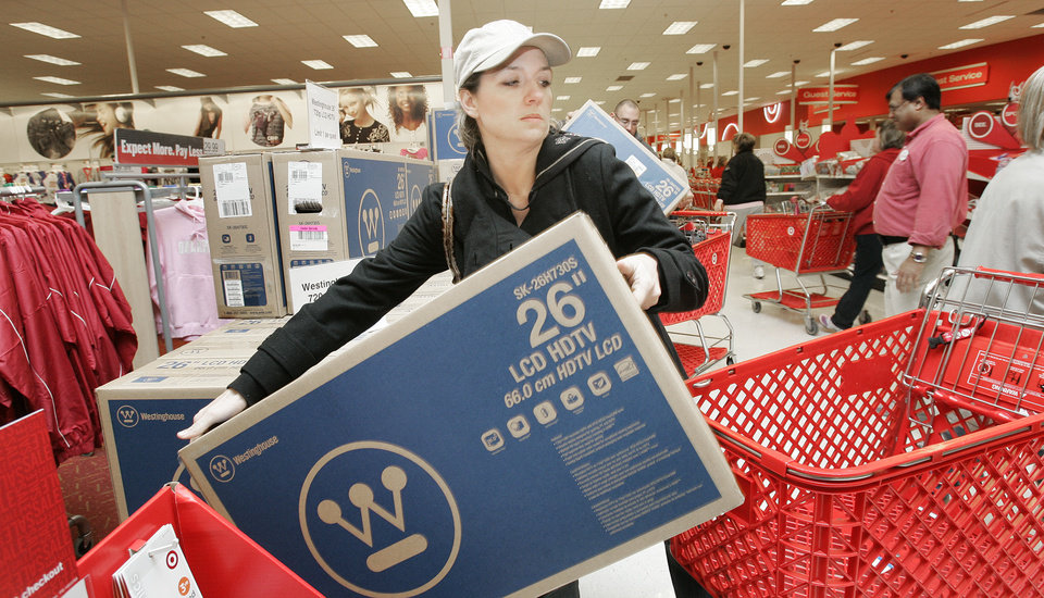 Oklahoma City Shoppers Gobble Up After Thanksgiving Deals
