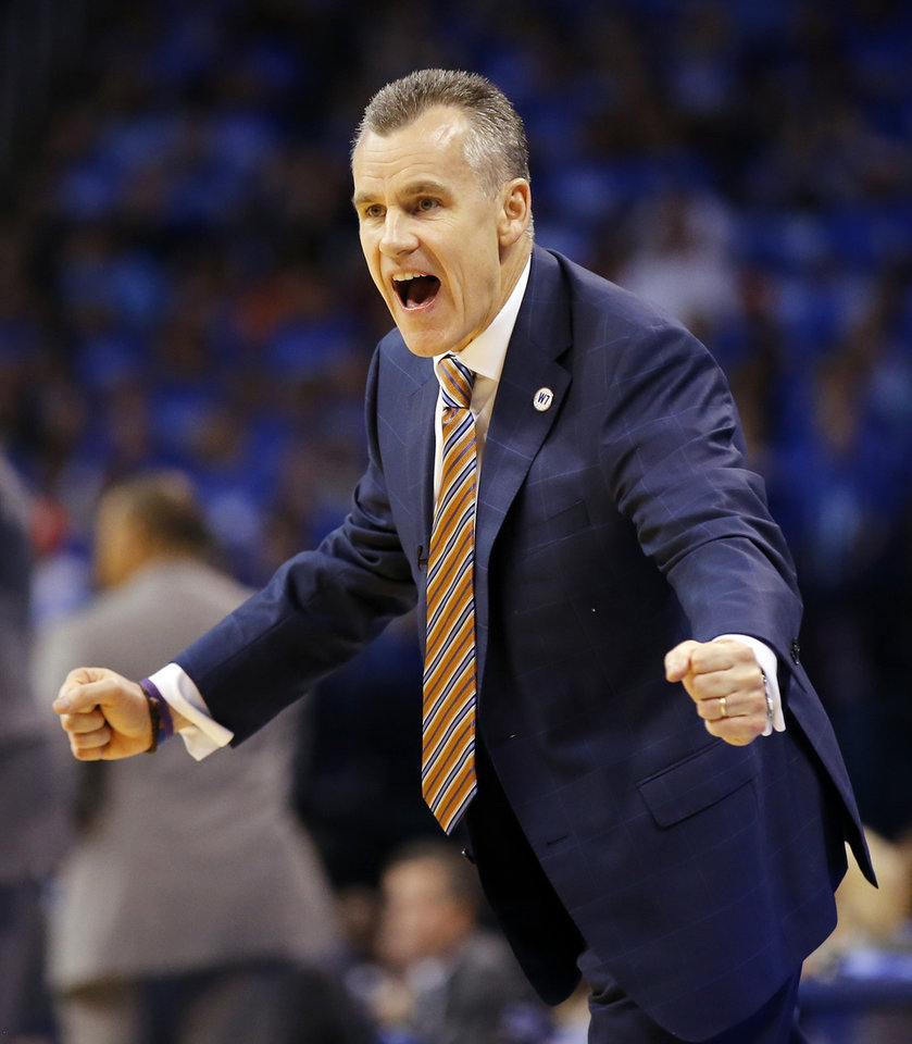 Photo - Oklahoma City coach Billy Donovan will go against perhaps the best coach in the NBA -- Gregg Popovich -- in the Western Conference semifinals against San Antonio. (Photo by Nate Billings, The Oklahoman)