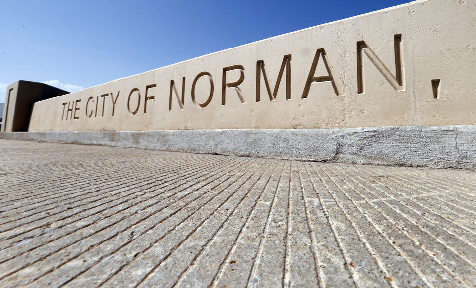 Photo - City of Norman welcome sign. [THE OKLAHOMAN ARCHIVES]