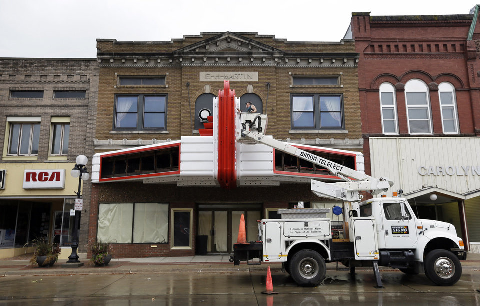 small towns rescuing restoring movie theaters article