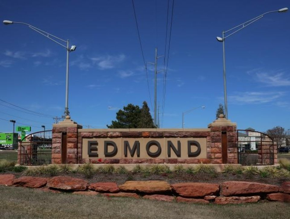Photo -  The Edmond City Council is urging residents to shelter in place to prevent the spread of COVID-19. [DOUG HOKE/THE OKLAHOMAN]