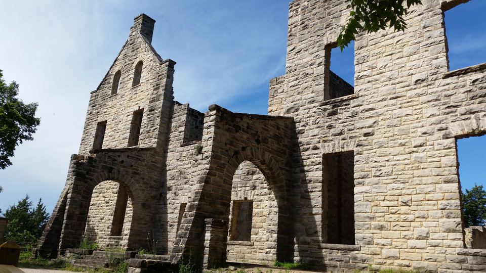 Photo -  The ruins of Kansas City businessman Robert Snyder's castle sit along a hiking trail at Ha Ha Tonka state park in Missouri. [Photo by Annette Price]