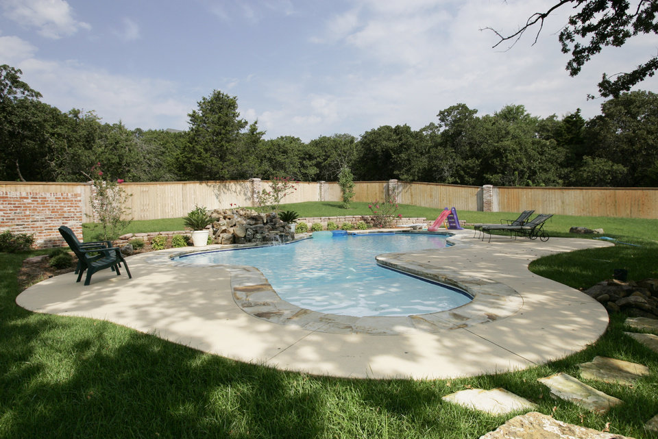 Oklahoma city pool company wins pair of awards for top for Pool design okc