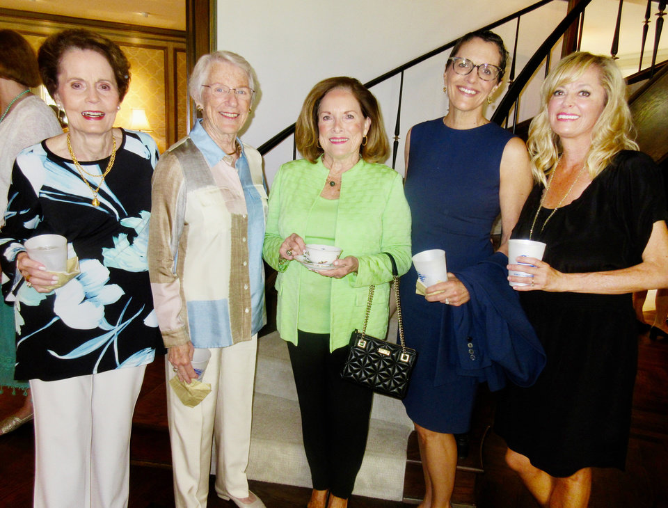 Photo - Carol Hall, Kris Frankfurt, SoRelle Fitzgerald, Stacy McDaniel, Julie McDaniel.