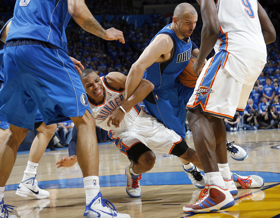 ... Photo - during game 4 of the Western Conference Finals in the NBA  basketball playoffs between f2f2f4a6e867