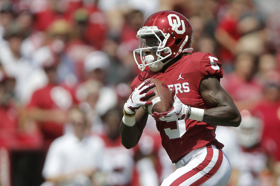 quality design fc6d8 24128 OU football: Marquise Brown makes questionable jersey choice ...