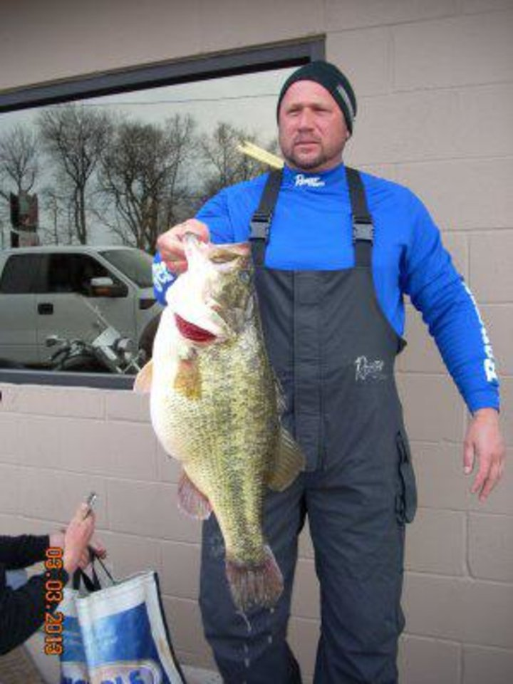 Former sooner cowboy anglers making b a s s elite series for Fishing in oklahoma