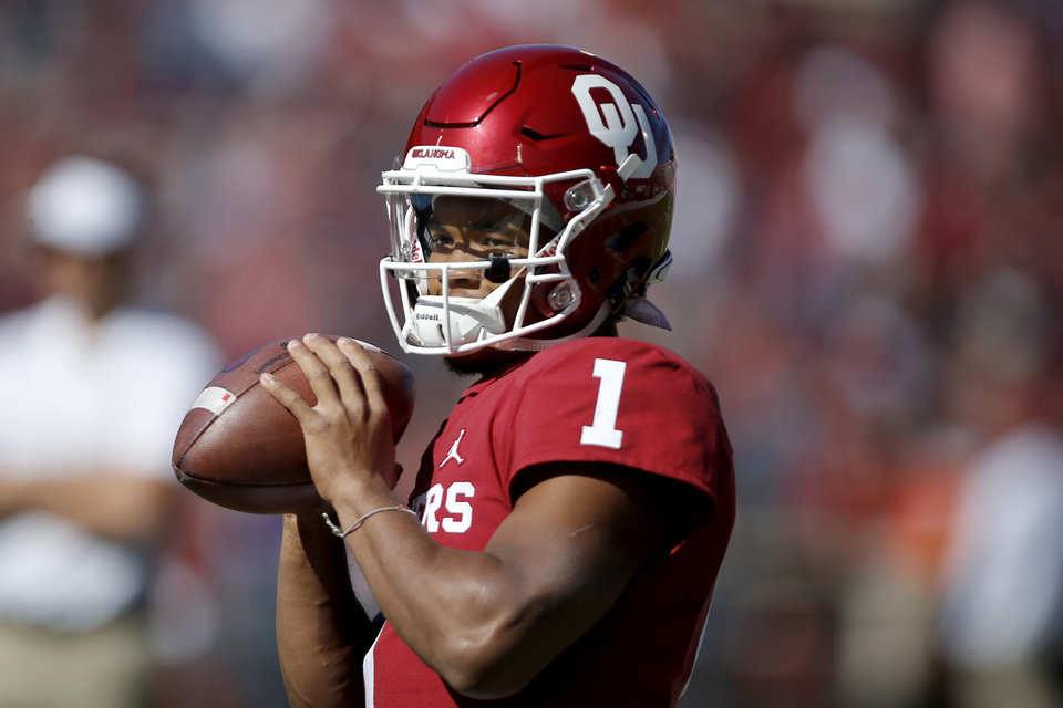 Photo - Oklahoma's Kyler Murray (1) warms up before a college football game between the University of Oklahoma Sooners (OU) and the Kansas State Wildcats at Gaylord Family-Oklahoma Memorial Stadium in Norman, Okla., Saturday, Oct. 27, 2018. Photo by Bryan Terry, The Oklahoman