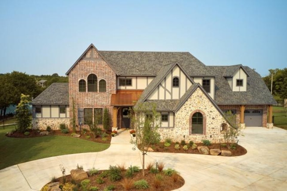 Photo -  McCaleb Homes' entry at 10101 NE 149 Court, The Falls addition, Edmond, won Best Overall in the $950,000-$999,999 division of the Parade of Homes Fall Classic. [PROVIDED/CENTRAL OKLAHOMA HOME BUILDERS ASSOCIATION]