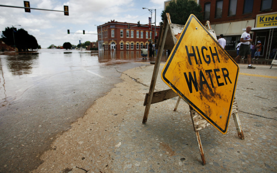 Photo - A sign posted in downtown on Sunday, August 19, 2007, in Kingfisher, Okla. By James Plumlee, The Oklahoman.
